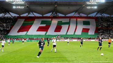 """Stadion Legii i sektorówka na """"Żylecie"""" na meczu Legia - Pogoń w 2013 r."""