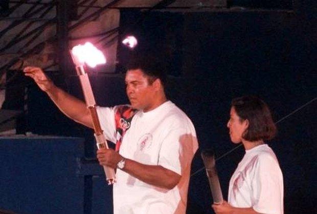 Muhammad Ali podczas ceremonii otwarcia igrzysk w Atlancie