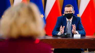 Spotkanie premiera Mateusza Morawieckiego z ekspertami i dyrektorką firmy Pfizer