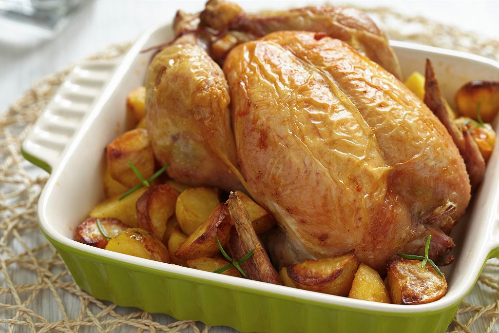 Kurczak z 40 ząbkami czosnku. Zdj. ilustracyjne