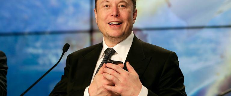 Gra Wiedźmin na Tesli? Elon Musk zadał nietypowe pytanie na Twitterze