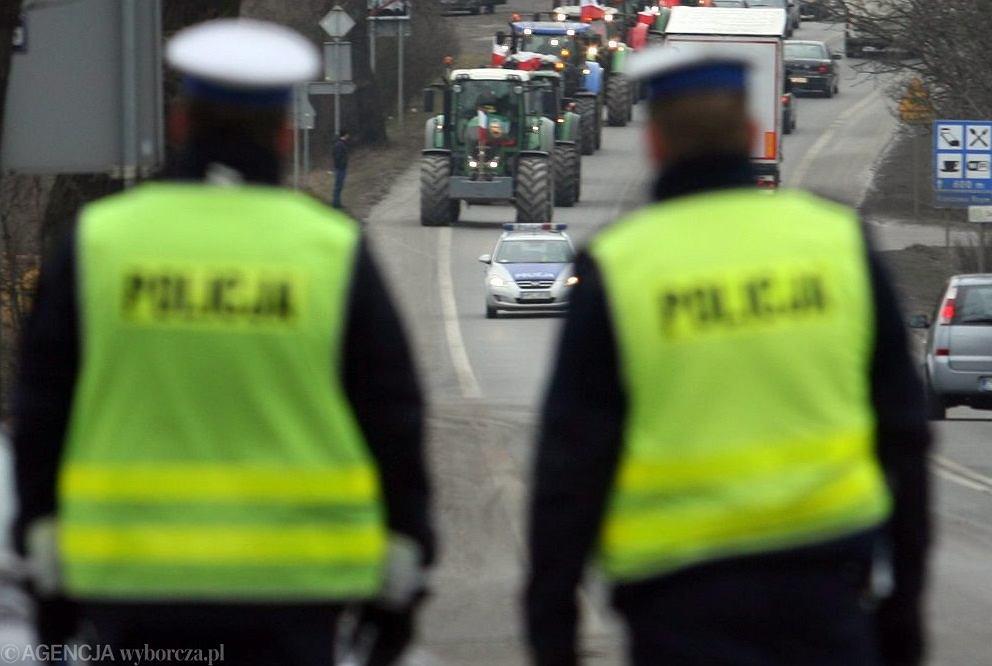 Policja, konwój (zdj. ilustracyjne)