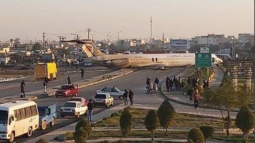 Samolot wylądował na ulicy w Iranie