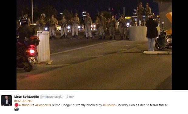 Czołgi w Stambule, słychać strzały, zamknięte oba mosty nad Bosforem. Wojskowy zamach stanu