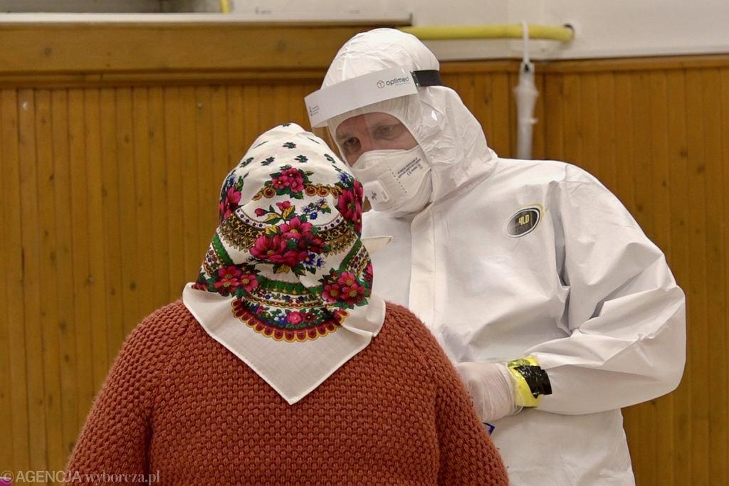 Słowacja, Strbskie Pleso. Ogólnonarodowe testy na koronawirusa z listopada 2020 r.