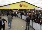 Polacy już nie kochają zakupów w Biedronce. Ulubieniec jest inny