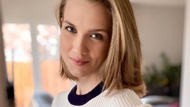 """Agnieszka Kaczorowska chwali się brzuchem ciążowym. Już widać krągłości. """"Zdrowo rosnę"""""""