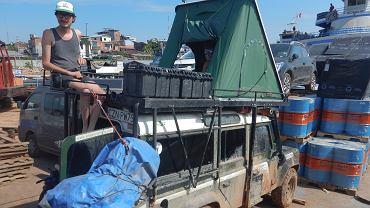 Michał Woroch i Maciej Kamiński już w Iquitos czekając na zejście na ląd.