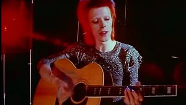 David Bowie w teledysku 'Life on mars'
