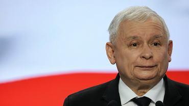 Konferencja prezesa Kaczyńskiego w sprawie nagród dla ministrów, kwiecień 2018