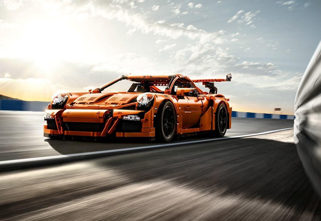 Replika Porsche 911 GT3 RS z klocków LEGO