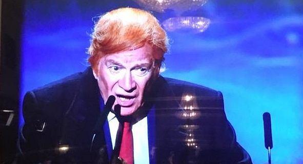 Andrzej Seweryn jako Donald Trump