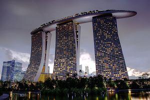 Singapur i Paryż dla ludzi z grubym portfelem. Ranking najdroższych miast na świecie