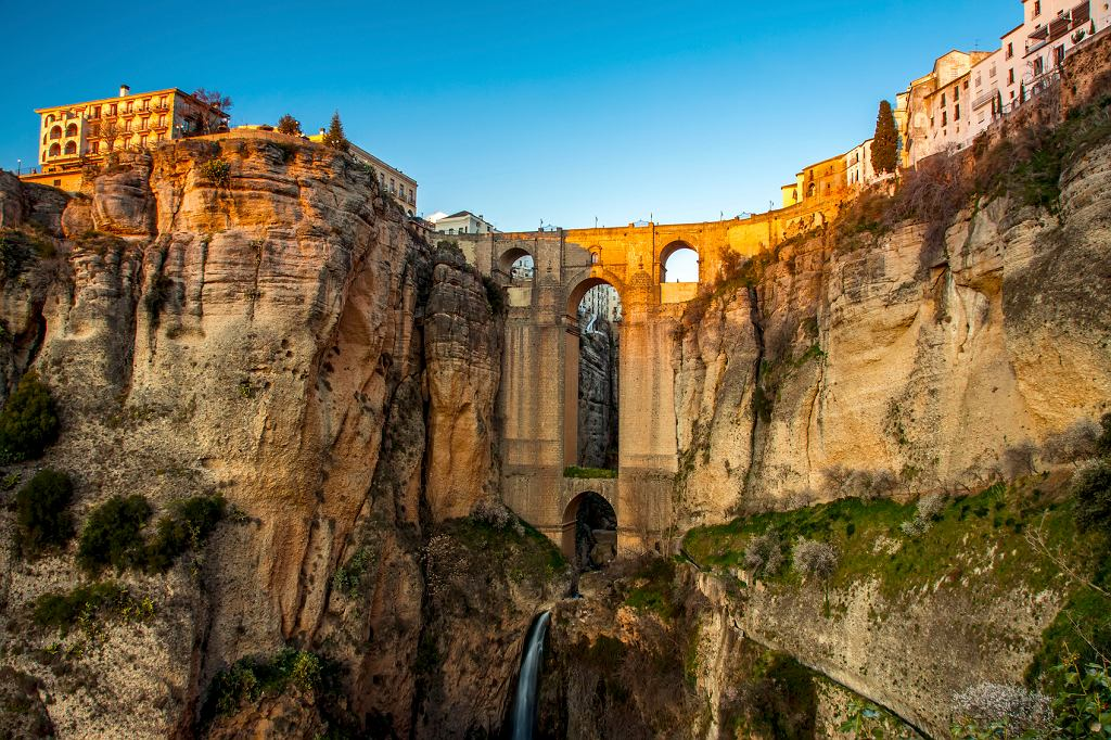 Malowniczo położona wioska Ronda w Hiszpanii
