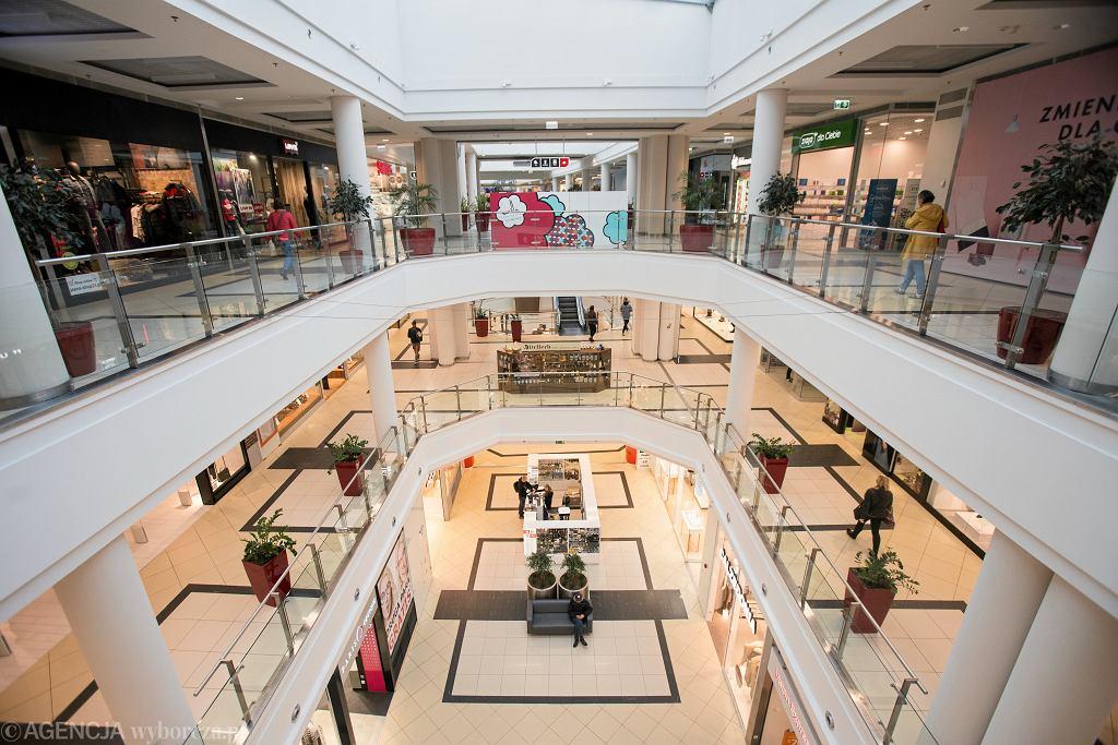 Galerie handlowe nadal notują straty po wprowadzeniu zakazu handlu w niedzielę
