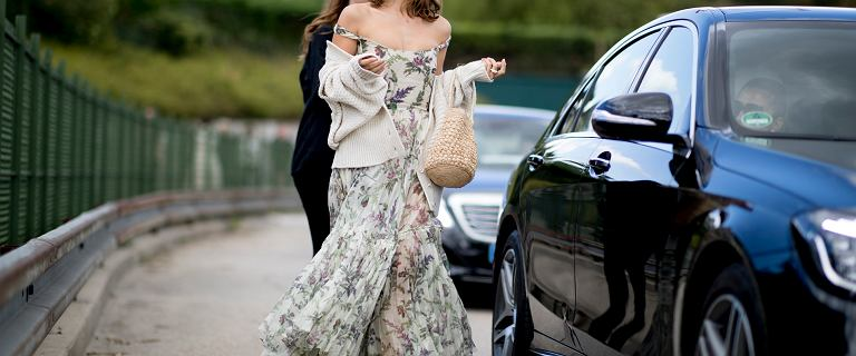 Te sukienki będą bardzo modne wiosną i latem! Zobacz, na jakie modele stawiają projektanci