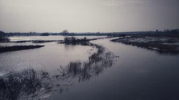Ostrzeżenia IMGW. Silne opady śniegu na południu, a na wschodzie alerty powodziowe
