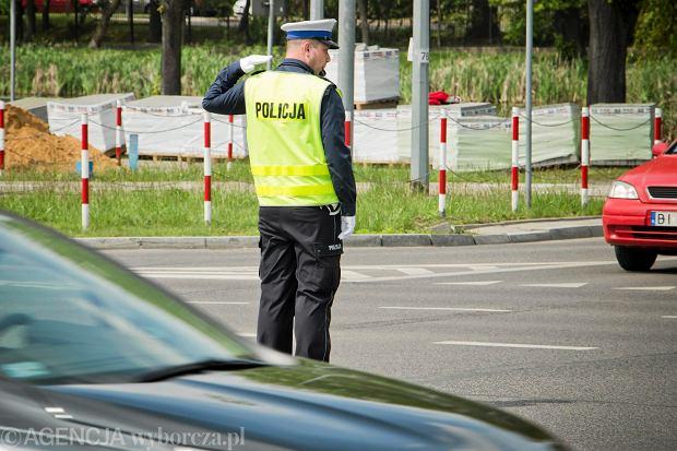 Pijanego funkcjonariusza policji zatrzymała policja z Włocławka