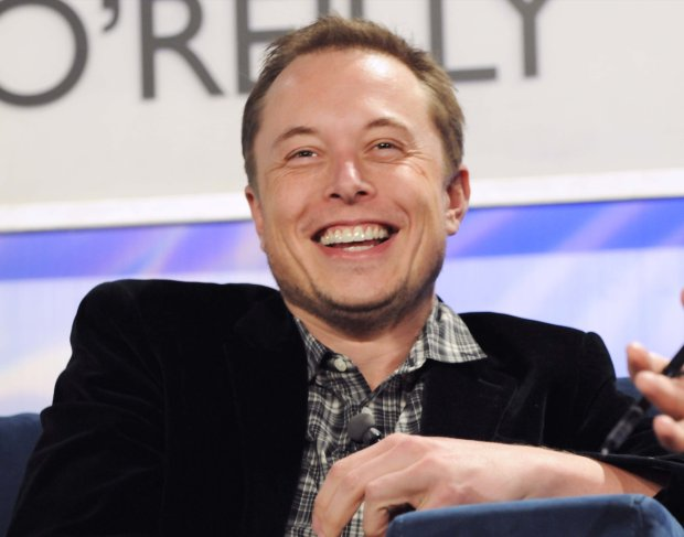Elon Musk cieszy się, bo jeszcze nie stworzyliśmy Sztucznej Inteligencji