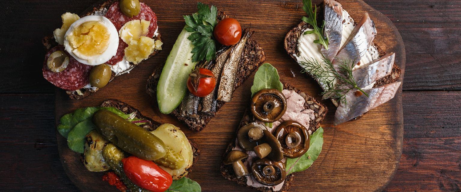 Kuchnia tego kraju jest bardzo podobna do polskiej. Co i jak jedzą na co dzień Duńczycy?