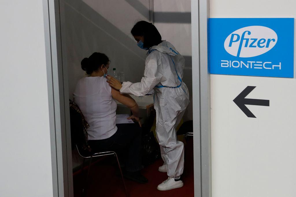 Pfizer testuje przeciwwirusowy lek doustny