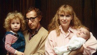 Woody Allen i Mia Farrow z dziećmi
