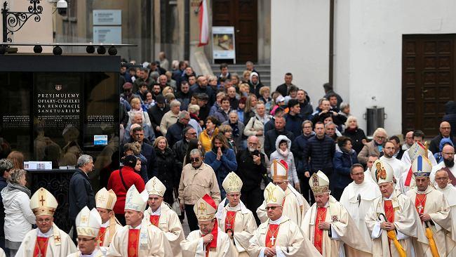 Józefa Hennelowa: Jan Paweł II stale powtarzał: W życiu państwa musi być sacrum. Żadna neutralność!