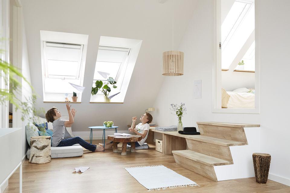 Więcej światła W Domu Funkcjonalne Okna Na Poddasze Foto
