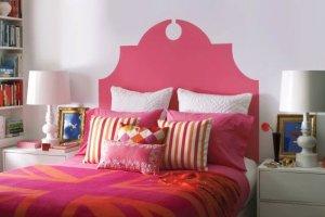 Sypialnia: pomaluj nieszablonowo ścianę za łóżkiem