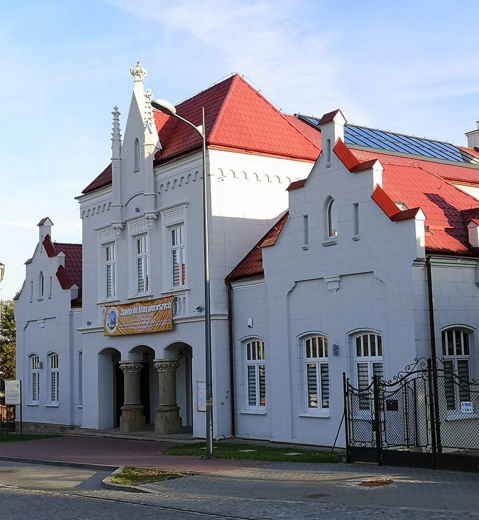 Państwowa Szkoła Muzyczna, w której znajduje się tzw. 'Sala Królewska'
