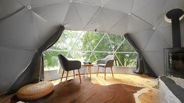 Zdjęcia wnętrza najmniejszej konstrukcji o podstawie 20 m kw