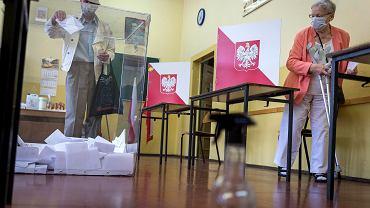 Wybory prezydenckie 2020. Lokal komisji wyborczej w I LO w Zabrzu