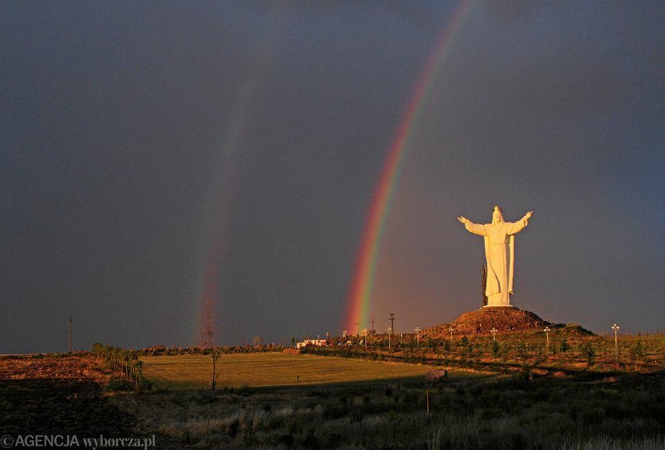 - To nie Chrystus nas odrzucił, więc my z Kościoła nie zamierzamy odchodzić - mówi Łukasz Kluge, lider katowickiej grupy fundacji Wiara i Tęcza, która zrzesza osoby wierzące ze społeczności LGBT