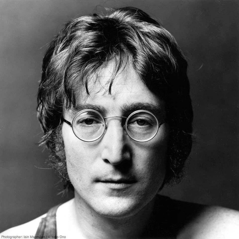 Odnaleziono list Johna Lennona adresowany do Królowej.