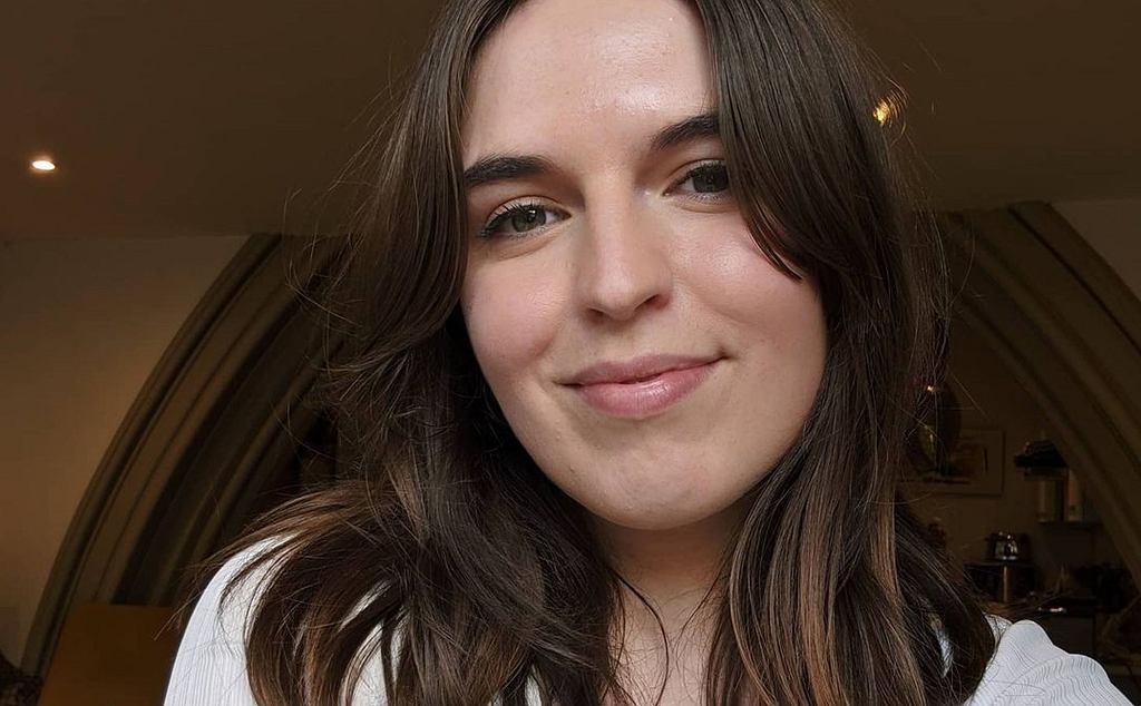 Amy Beecham wyciska 100 kilogramów