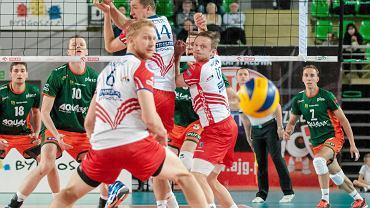 BBTS Bielsko-Biała (po drugiej stronie siatki) po raz drugi w tym sezonie przegrał z Transferem Bydgoszcz