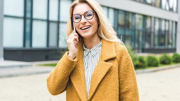 Płaszcze na jesień. Wybrałyśmy kilka modeli, które są idealne dla kobiet po pięćdziesiątce