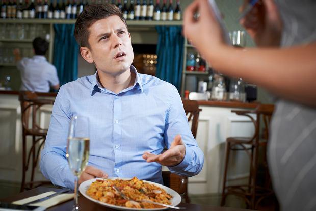Danie w knajpie nie smakuje. Kiedy i jak je odesłać do kuchni, żeby się nie ośmieszyć? Zapytaliśmy ekspertów