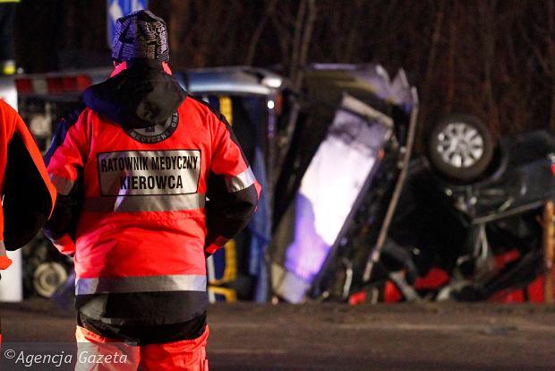 Ratownicy muszą się mierzyć z agresją nie tylko w domach poszkodowanych, ale też na drogach