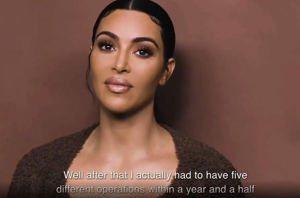 Kim Kardashian przeszla po porodzie pięć operacji