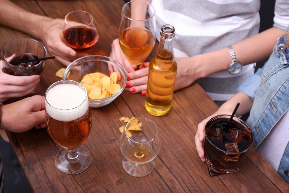 Kolejność picia alkoholu nie ma wpływu na intensywność kaca. Sprawdzili to naukowcy