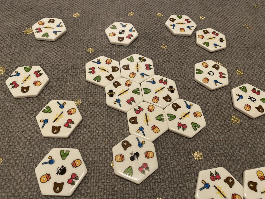 Honeycombs - łączymy plastry miodu tak, aby zdobyć jak najwięcej punktów