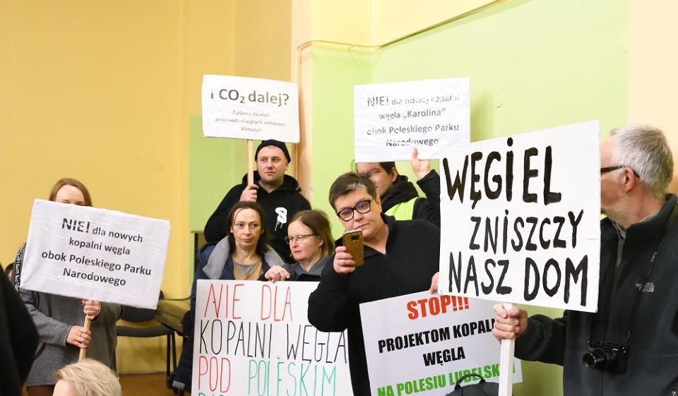 Aktywiści z lubelskiego Towarzystwa dla Natury i Człowieka na sesji Rady Gminy w Hańsku.