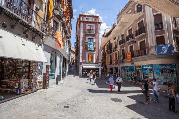 Toledo, jedna ze starych uliczek.