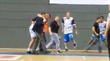 Sebastian Laydych schodzi z boiska