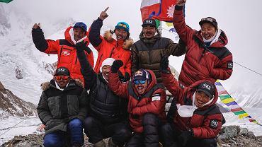 Szerpowie po zdobyciu K2