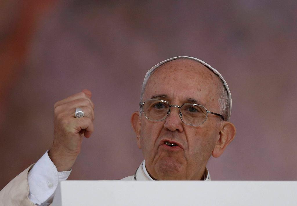 Papież Franciszek przemawia na krakowskich błoniach podczas Światowych Dni Młodzieży
