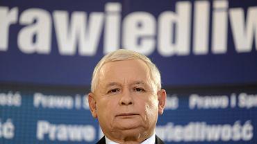 Prezes PiS Jarosław Kaczyński podczas konferencji prasowej