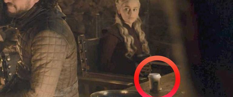 """""""Gra o tron"""". Emilia Clarke ujawniła sprawcę afery z kubkiem kawy. """"Oskarżony"""" reaguje na jej słowa"""