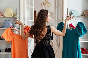 5472eedc7f8b23 Nie masz czasu na chodzenie po sklepach? Znalazłyśmy 50 modnych sukienek,  które kupisz bez
